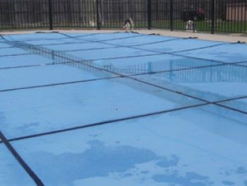 16 ft x 32 ft Leight Weight Solid Pool Safety Cover - Blue - 15 yr Warranty